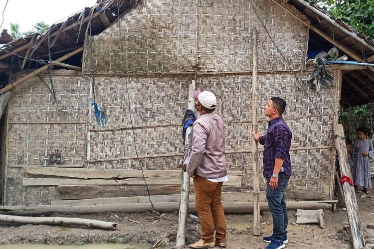 Rumah Syarkawi (35) di Desa Trieng Pantang, Kecamatan Lhoksukon, Kabupaten Aceh Utara, yang tak layak huni.