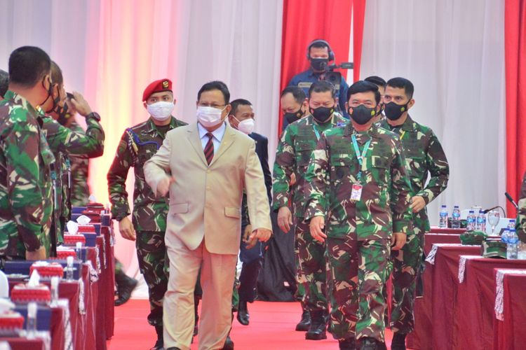 Menteri Pertahanan Prabowo Subianto menghadiri Rapim TNI 2021 di Mabes TNI, Cilangkap, Jakarta Timur, Selasa (16/2/2021).