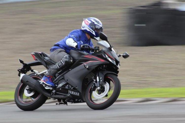 Tes ride Yamaha R15 di Sentul