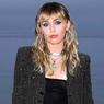 Miley Cyrus Adopsi Seekor Pit Bull Setelah Kematian Anjing Kesayangannya