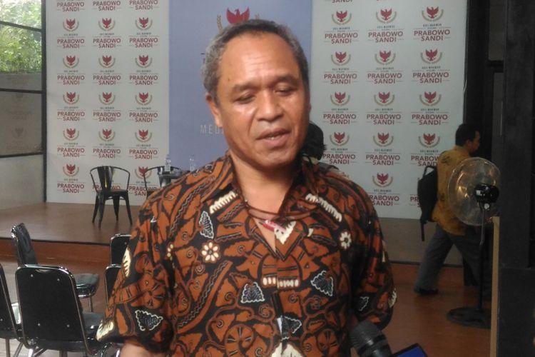 Ketua Dewan Pengurus Pusat (DPP) Partai Demokrat Benny K Harman seusai diskusi bertajuk Koalisi Bicara di Media Center Prabowo-Sandi, Jalan Sriwijaya, Jakarta, Selasa (8/1/2019).
