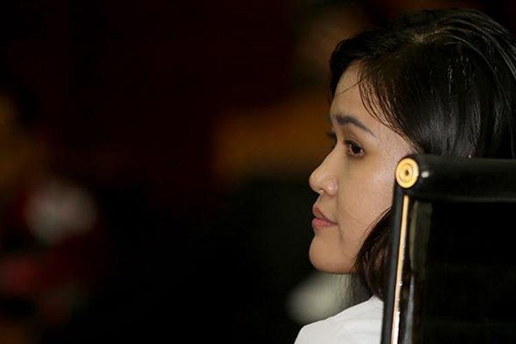Terdakwa Jessica Kumala Wongso menjalani sidang dengan agenda tanggapan jaksa penuntut umum di Pengadilan Negeri Jakarta Pusat, Senin (17/10/2016). Ia menjadi terdakwa terkait dugaan kasus pembunuhan Wayan Mirna Salihin.