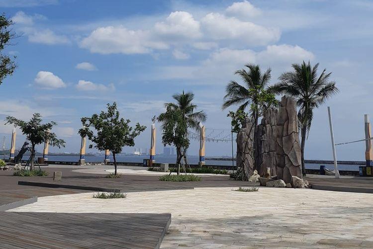 Kawasan Pantai Ancol yang sepi saat libur lebaran 2020 akibat pandemi virus corona.