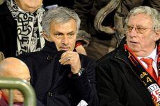 Pantau Falcao, Mourinho Justru Disoraki Penonton