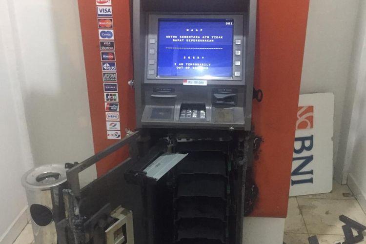Mesin ATM BNI dibobol komplotan profesional ratusan juta raib