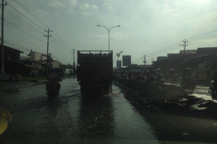 Banjir rob di Kota Semarang, Jawa Tengah, Selasa (30/1/2018).