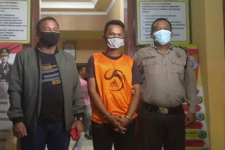 Pelaku pembunuhan kakak ipar (memakai rompi oranye) di Banjarmasin, Kalsel, berhasil ditangkap tim Reskrim Polsek Banjarmasin Selatan pada Jumat (6/11/2020) malam.