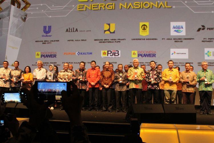 Kementerian ESDM memberikan Penghargaan Subroto bagi sejumlah gedung, instansi, dan perusahaan yang mendorong efisiensi energi.