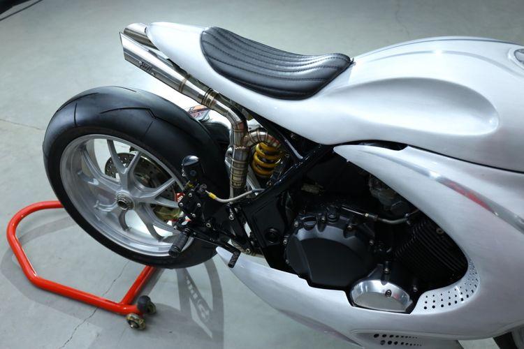 Motor custom Honda CB400SF Cafe Racer garapan AMS Garage