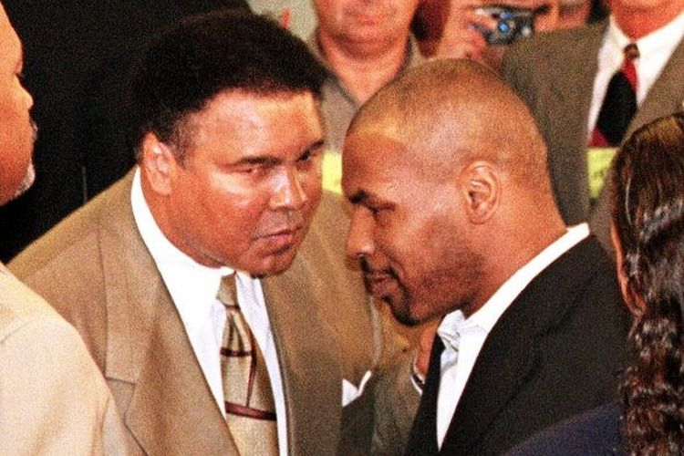 Mike Tyson dan Muhammad Ali.