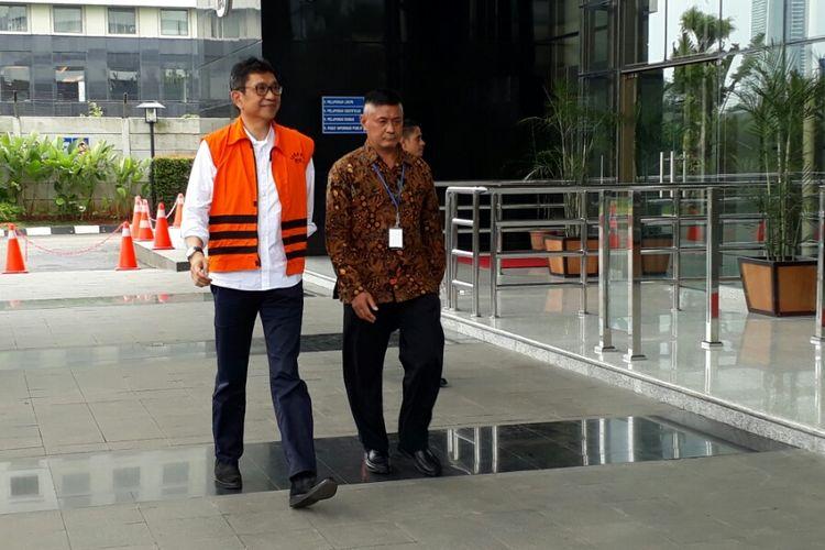 Wali Kota Batu non-aktif Eddy Rumpoko (kiri), Senin (2/10/2017).