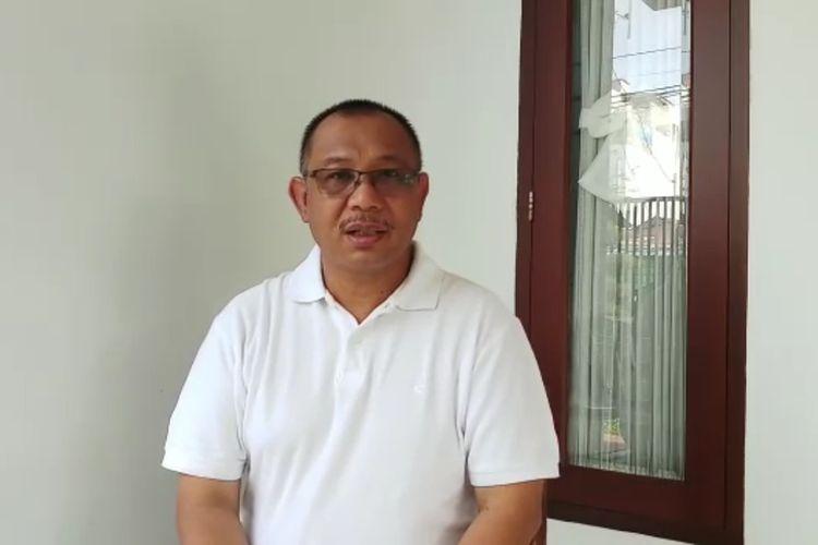 Tangkapan layar video Plt. Wali Kota Medan, Akhyar Nasution mengimbau warga Kota Medan dan sekitarnya yang sedang berada di seputaran Jabodetabek agar tidak mudik dulu dalam sebulan ke depan untuk memutus rantai penularan Covid-19. Sebaliknya, warga Medan dan sekitarnya juga diimbau agar tidak berangkat ke epicentrum penularan Covid-19.