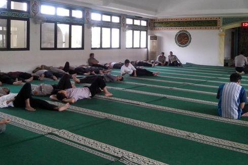 Tidur Sepanjang Hari Saat Bulan Ramadhan, Batalkah Puasanya?