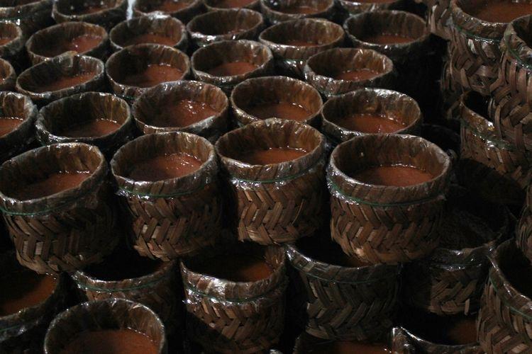 Kue keranjang atau biasa disebut juga dodol cina menjadi menu wajib setiap perayaan Imlek