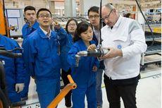 Perusahaan Mobil VW Bantah Ada Kerja Paksa Etnik Uighur di Pabrik Xinjiang