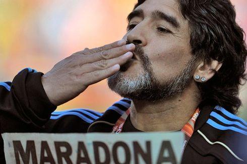 Aneh, Diego Maradona Larang Pemain Gunakan Sepatu Warna Hijau