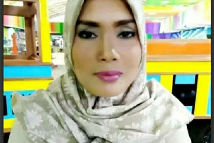 Inilah foto istri Khairudin Siregar, Ervina yang sedang dicari beredar di media sosial.