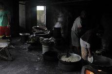 Gemar Makan Kerupuk Karak? Lihat Pembuatannya di Rumah Pak Ngadimin