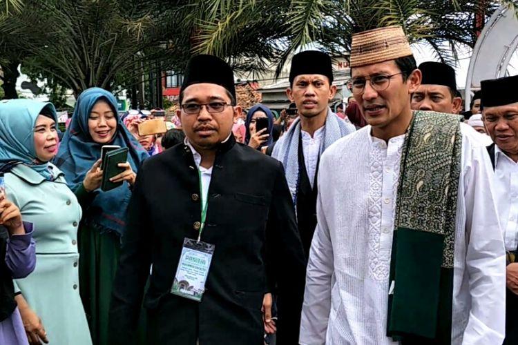 Wakil Gubernur DKI Jakarta, Sandiaga Uno menghadiri acara Maulid Nabi di Masjid Jami Nurul Falah, Karang Tengah, Lebak Bulus, Jakarta Selatan, Minggu (3/12/2017).