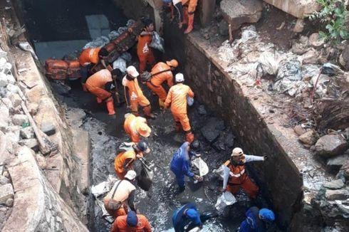 Cegah Banjir, Saluran Penghubung Sulaiman di Makasar Dikuras