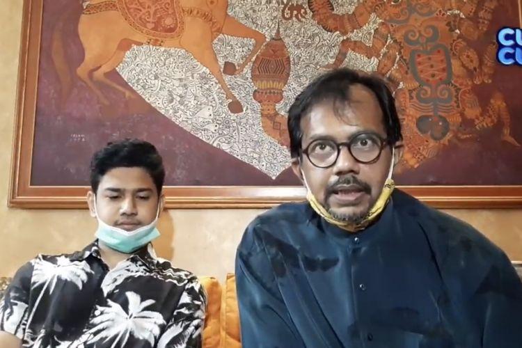 Syakir Daulay dan kuasa hukumnya, Haris Azhar. (Bidikan layar YouTube MOP Channel).