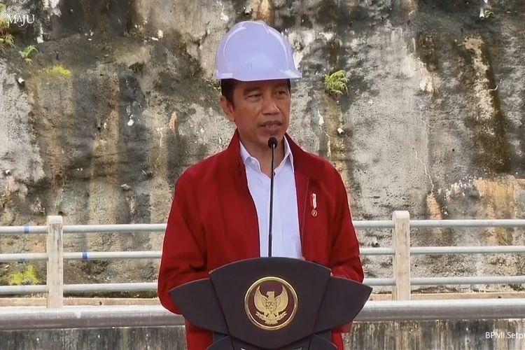 Foto tangkapan layar Presiden Joko Widodo meresmikan Bendungan Tapin di Kalimantan Selatan, Kamis (18/2/2021).