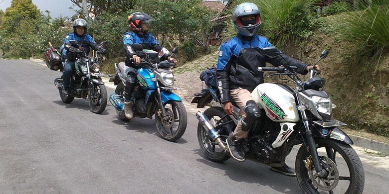 Komunitas Byson Jakarta Exploride (B-Jax) touring akhir tahun.
