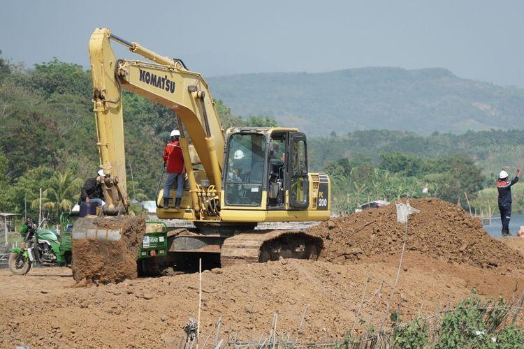 Progres pembangunan Jalan Tol Jakarta-Cikampek II Selatan masih dalam tahap pembebasan lahan. Adapun hingga Juli 2019, proses ini sudah mencapai 60 persen.