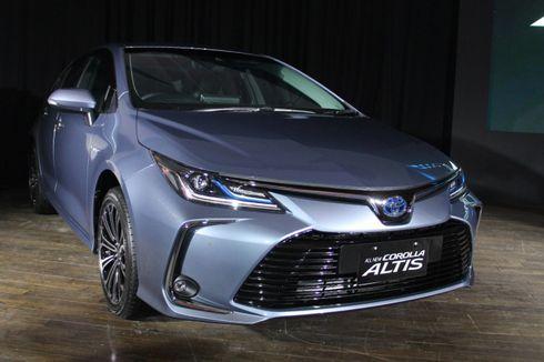 Sama-sama Hybrid, Corolla Altis dan Camry Beda Segmen