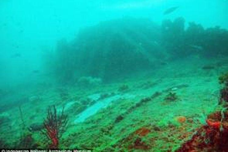 Bangkai kapal yang ditemukan Puslit Arkenas pada November 2013 lalu. Diduga, bangkai kapal merupakan salah satu dari kapal selam Jerman yang tenggelam diserang Belanda, U 168 atau U 183.