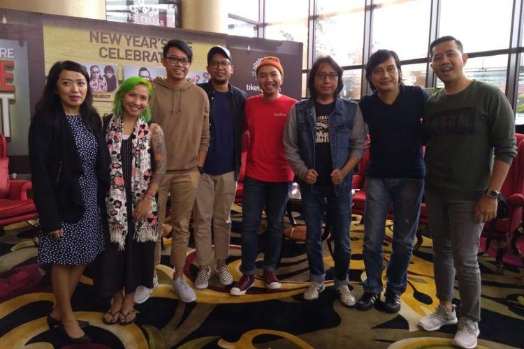 "Artis DJ Mike Perry, Kla Project, dan Ten 2 Five akan merayakan malam pergantian baru dengan manggung dalam konser ""New Years Eve Celebration"" di Trans Luxury Hotel Bandung, Senin (31/12/2018)."