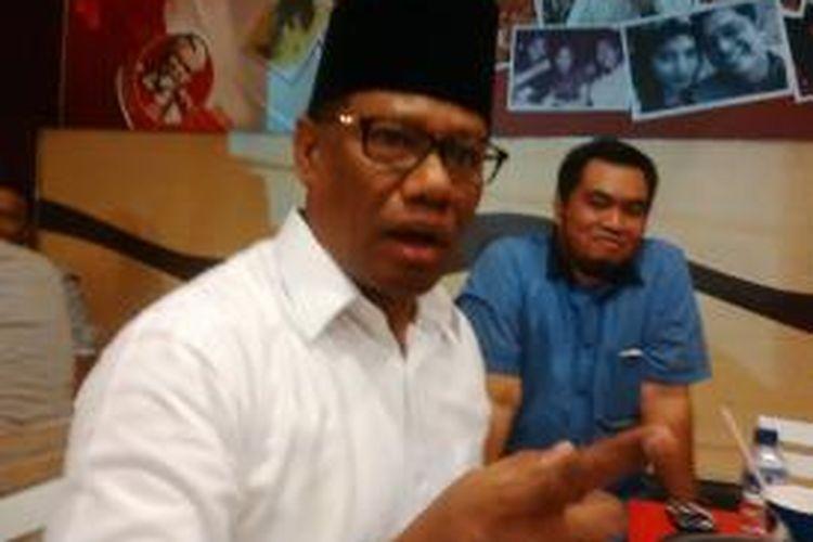 Bakal calon wakil walikota Surabaya, Alim Basa Tualeka.