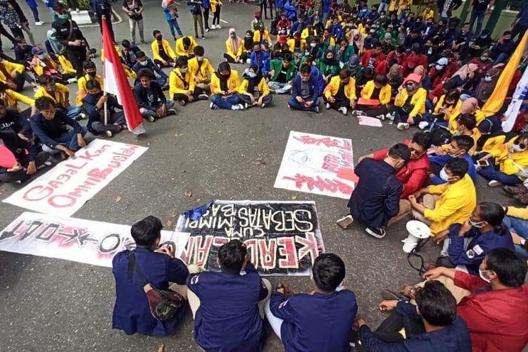 Buntut Demo Tolak UU Cipta Kerja, 2 Mahasiswa ULM Banjarmasin Ditetapkan Tersangka