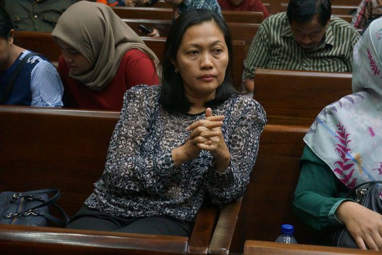 Direktur Keuangan PT Inersia Ampak Engineers (IAE) Indung Andriani sebelum menjalani sidang putusan di Pengadilan Tipikor Jakarta, Rabu (13/11/2019).