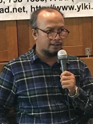 Ketua Harian Yayasan Lembaga Konsumen Indonesia (YLKI), Tulus Abadi saat menggelar konferensi pers di Jakarta, Jumat (16/11/2018).