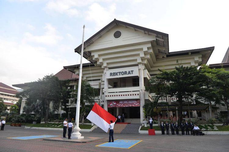 Upacara peringatan Hari Kesaktian Pancasila di halaman Gedung Rektorat Universitas Negeri Yogyakarta (UNY)