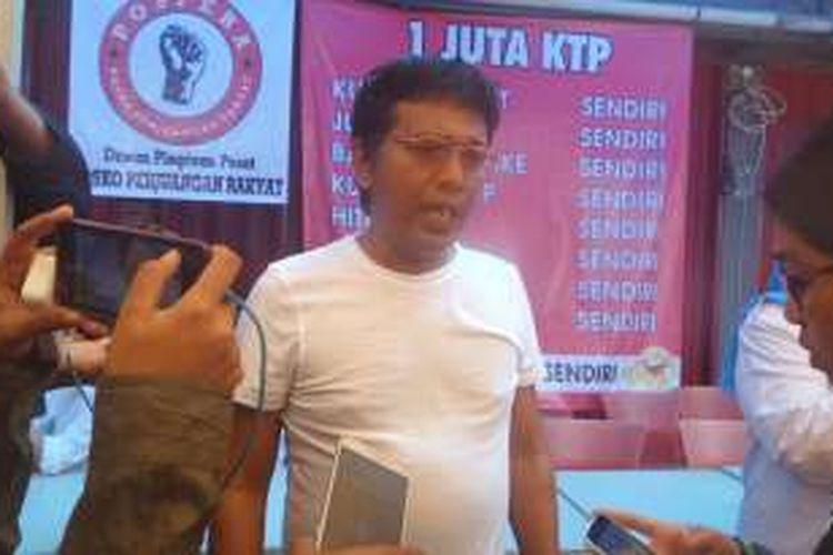Sabtu (25/6/2016), Ketua Dewan Pembina Posko Perjuangan Rakyat (Pospera) yang juga kader PDI-P, Adian Napitulpulu, membantah pihaknya mengintervensi pengakuan kelima mantan pengumpul KTP Ahok