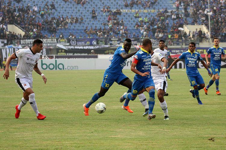 Pertandingan Persib vs Madura United pada putaran pertama Liga 1 2019.