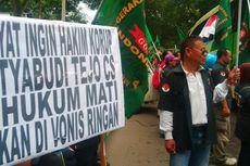 Unjuk Rasa 2 Kelompok Warnai Sidang Putusan Hakim Setyabudi