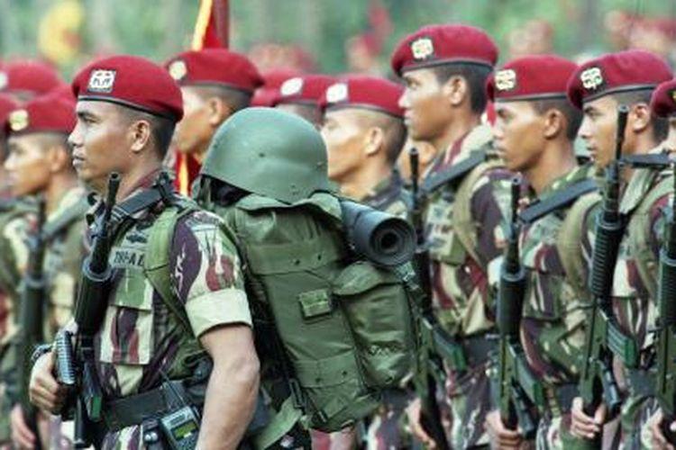 Persiapan pasukan Kopassus (Komando Pasukan Khusus) mengamankan Sidang Umum MPR di Markas Komando Kopassus Cijantung, Jakarta.