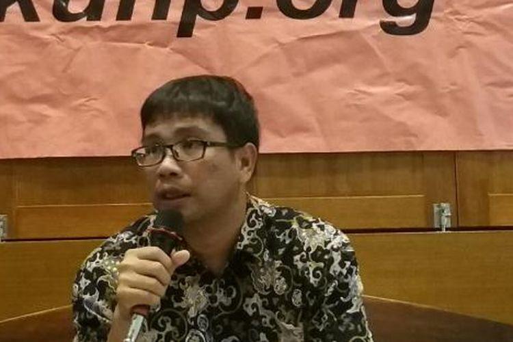 Direktur Eksekutif Institute for Criminal Justice Reform (ICJR), Supriyadi Widodo Eddyono, dalam konferensi pers di Cikini, Jakarta Pusat, Kamis (26/11/2015)