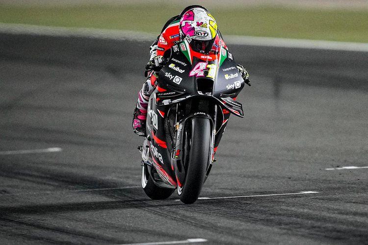 Aleix Espargaro saat balapan di MotoGP Qatar 2021