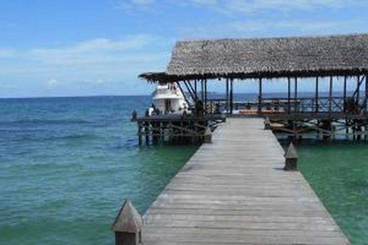 Dermaga di Waiwo, Raja Ampat, Papua Barat.