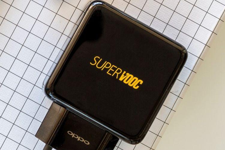 SuperVOOC berarus daya 65W besutan Oppo.