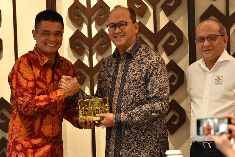 PT Pelabuhan Indonesia I (Persero) atau Pelindo I beserta anak-anak usahanya secara resmi menjadi anggota Kamar Dagang dan Industri (Kadin) Indonesia, Selasa (18/2/2020).
