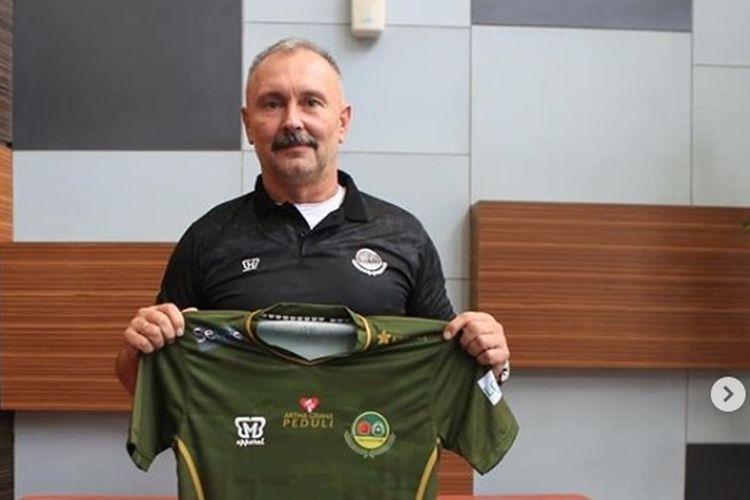 Pelatih Persikabo, Igor Nikolayevich Kriushenko