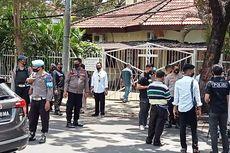 Densus 88 Gelar Olah TKP Bom Bunuh Diri di Gereja Katedral Makassar