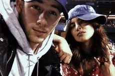 Priyanka Chopra Kenang Momen Manis Kencan Pertama dengan Nick Jonas