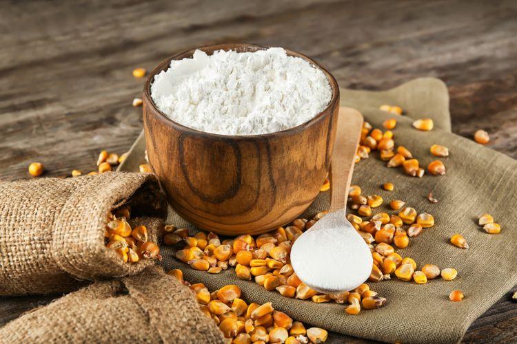 Ilustrasi tepung maizena yang terbuat dari pati jagung.