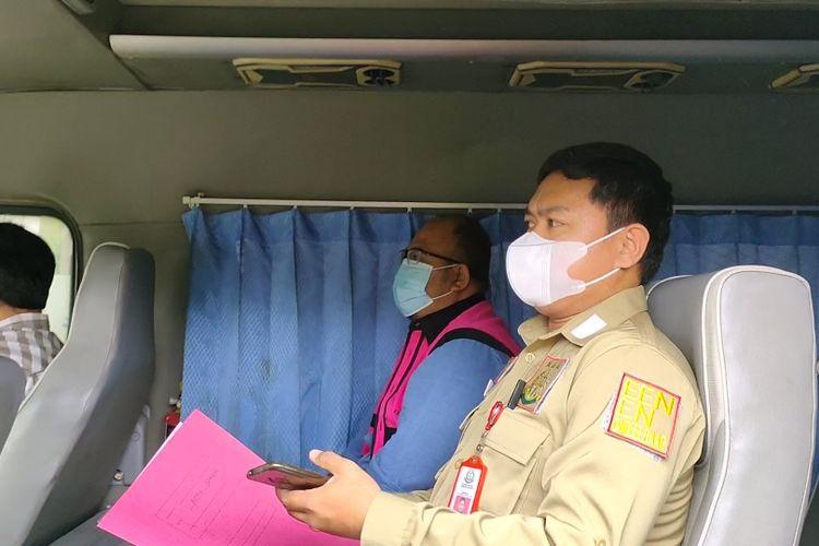 Bendahara Umum KONI Tangerang Selatan, SHR ditetapkan sebagai tersangka dugaan kasus korupsi Dana Hibah KONI Tangerang Selatan 2019, Jumat (4/52/2021).
